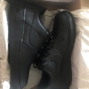 Air Force 1 Lows (Black)